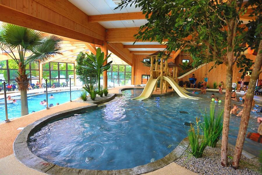 Camping avec piscine soulac sur mer le palace for Camping le croisic avec piscine couverte