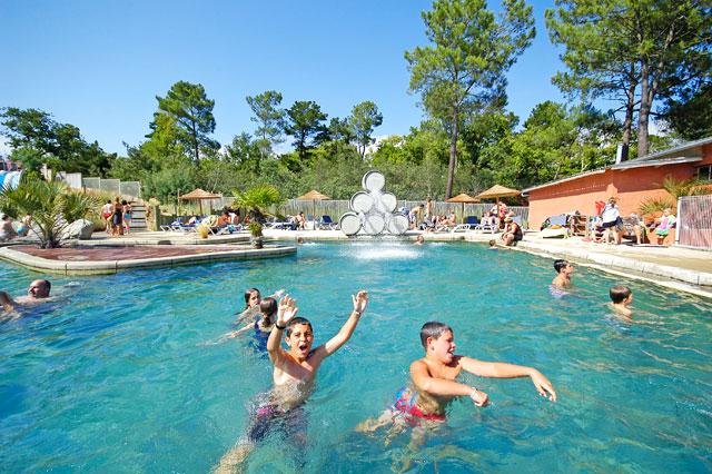 Camping avec piscine soulac sur mer le palace - Camping serre poncon avec piscine ...