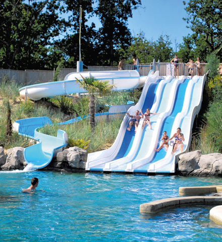 Camping waterpark soulac sur mer le palace france for Camping gironde avec piscine